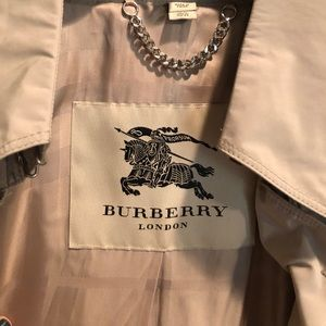 Burberry women's size 10 trench coat with ruffle